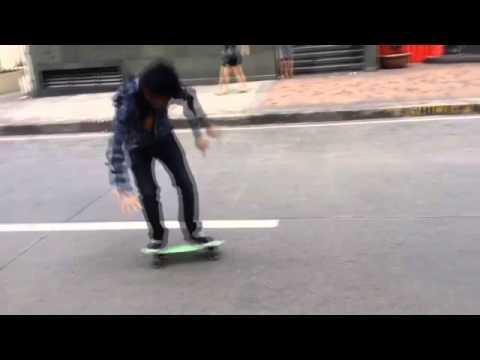 Penny Board Trick: Moving Boneless