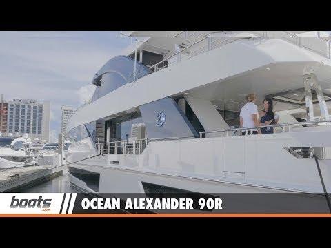 Ocean Alexander 90R Motoryacht Open Bridge: First Look Video