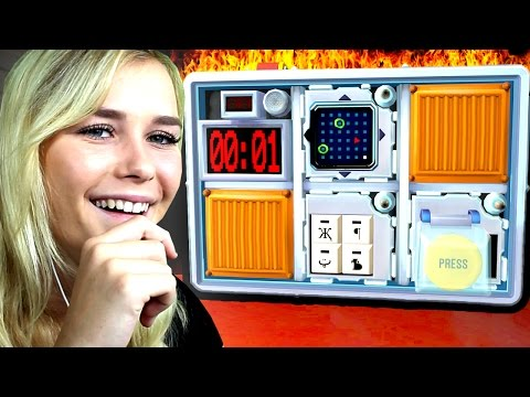 GIRLFRIEND BOMB CHALLENGE! (Keep Talking and Nobody Explodes)