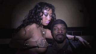 Repeat youtube video Snoop Dogg feat. Nipsey Hussle - Upside Down [Censored]