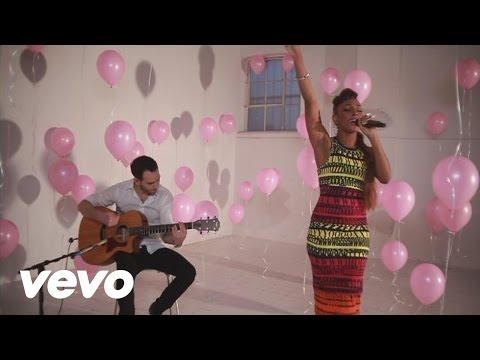 Alexandra Burke - Talk That Talk (Rihanna acoustic cover)