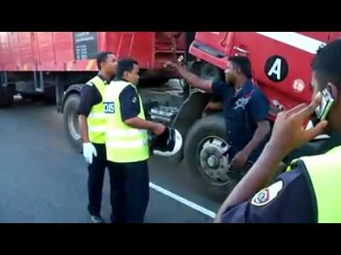 India Vs Polis Malaysia ( Kurang Ajar...