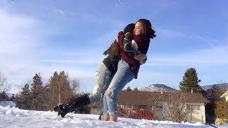 Смотреть клип Cavetown - Hug All Ur Friends
