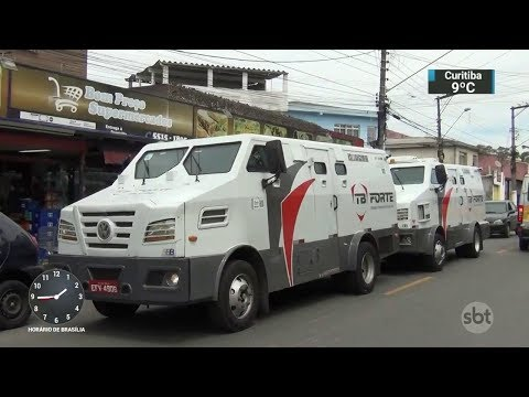 Tentativa de assalto a carro-forte termina em troca de tiros em SP | SBT Notícias (05/10/17)