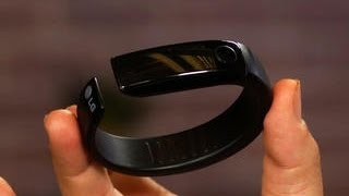 lg lifeband touch and heartrate earphones a weird one two punch approach to fitness