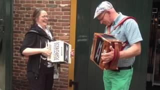 Veldhoven 2013 - Jan Kamphuis en Paulien Ottenschot spelen samen trekzak