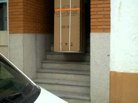 carretilla sube escaleras carretilla el ctrica sube escaleras 1 youtube