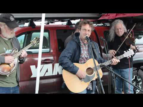 """Yakima Pop-Up Stage: Railroad Earth - """"Adding My Voice"""""""