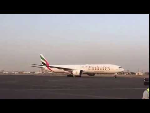 Emirates Boeing B777-300ER lands for the first time in Khartoum airport 01-9-2016 (2)