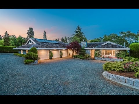 Luxury Lakefront Home For Sale in Duncan British Columbia ...