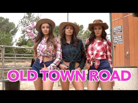 Old Town Road Dance Choreography ft. Simmi Singh | When You Want a Cowboy's Attention