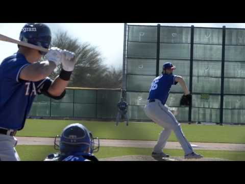 Rangers Hamels pitches a simulated game