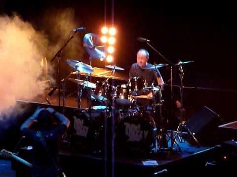 Thin Lizzy  Sha La La  with Brian Downey drum solo  at the Hammersmith Apollo.