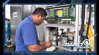 Agência Nacional fiscaliza postos para avaliar bombas de gasolina