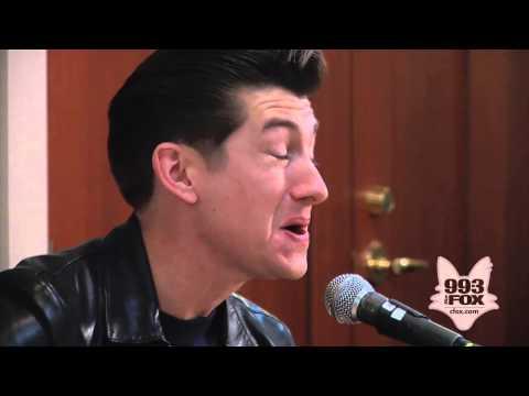 Arctic Monkeys - Do I Wanna Know? (Fox Uninvited Guest)