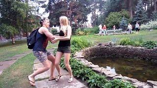 Скинул Настю в Озеро Пранк! Настин пресс PashaNastya Vlog
