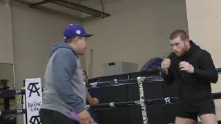 Canelo Alvarez working on movement and footwork (Video: Golden Boy Promotions)