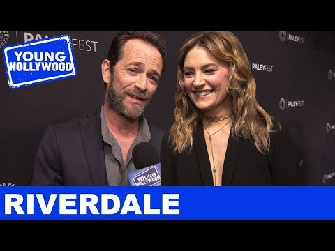 Luke Perry & Riverdale Parents Spill If Falice Will Rise & Team Varchie Details!