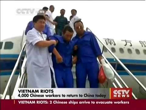Two vessels arrived Vietnam to pick up 4000 Chinese