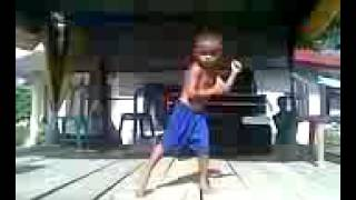 MUVIZA COM  Anak Kecil Ahli Joget Diatas Panggung Lucu Banget