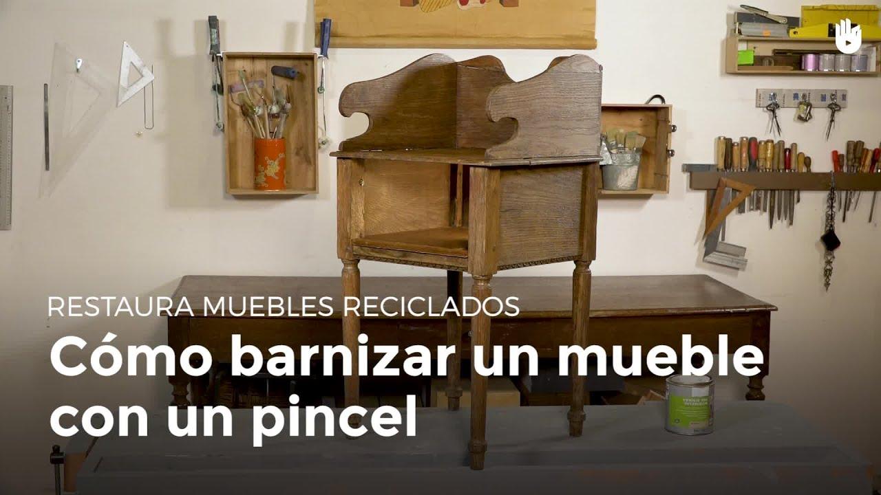 c mo barnizar un mueble con un pincel restaurar muebles