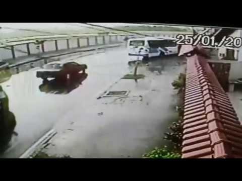 Acidentes na Rua Xavier Curado em Marechal Hermes