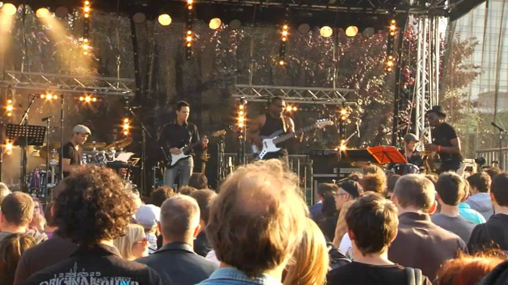 BASSY BOB PROJECT / BOB ORANGER - (LIVE AT GLAZART JULY 2011)