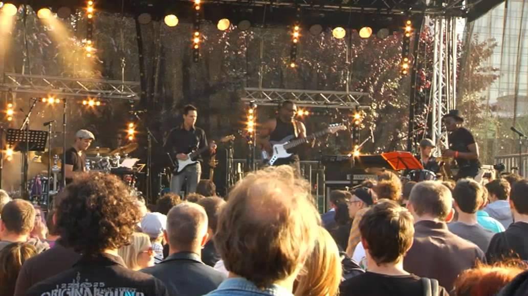 BASSY BOB PROJECT / BOB ORANGER - (LIVE AT GLAZART JULY 2011)