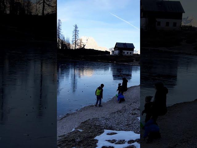 Al lago di Federa in novembre