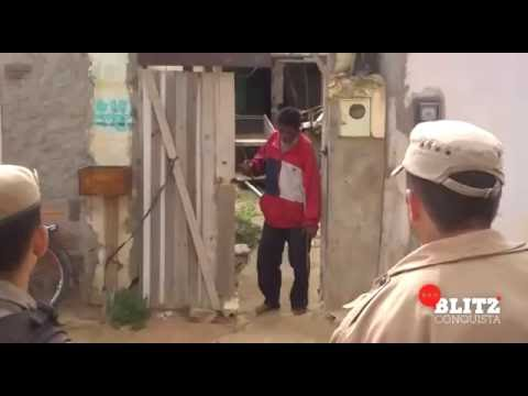 PM usa arma de choque para conter homem armado com faca