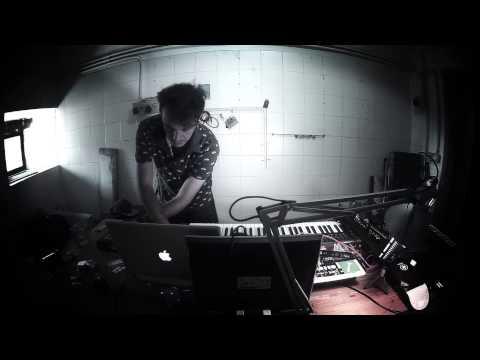 Malandra JR live set in studio