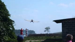 Samolot gasi pożar we Franklinowie [04.08.2015r]