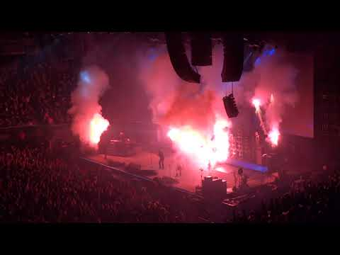 """Ozzy Osbourne - New Year's 2019 countdown and """"I Don't Know"""" (Live in Los Angeles 12-31-18)"""
