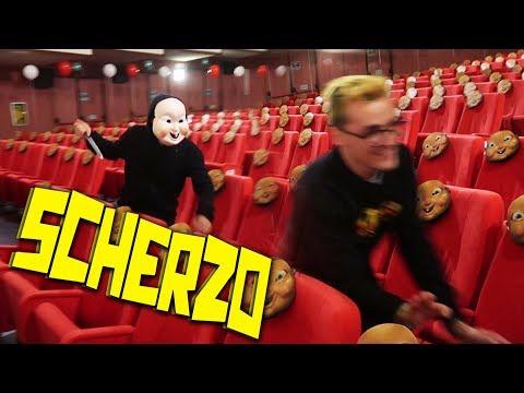 SCHERZO PAUROSO AL CINEMA!! SURRY SCAPPA VIA!!