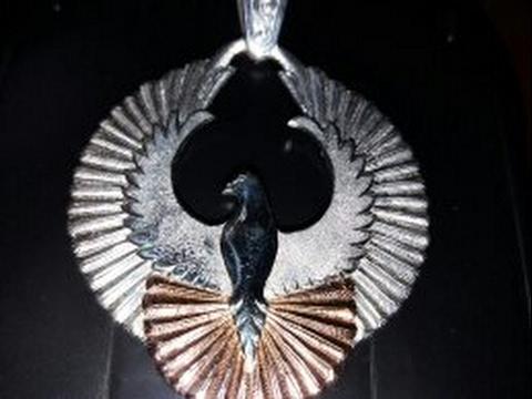 Голуби.вольер для голубей