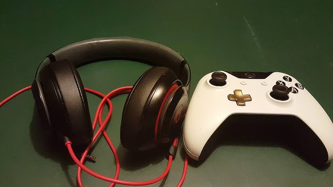 How To Use Beats Headphones With Microphone Game Chat On Xbox One Beats Microphone For Xbox Youtube