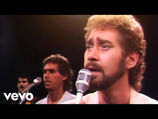 Earl Thomas Conley - Holding Her and Loving You