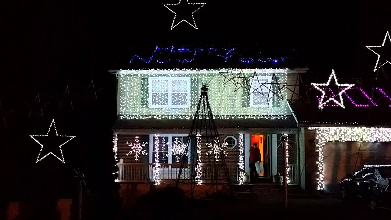 Christmas light display in Ellicott City, Maryland (1 of 4) - YouTube