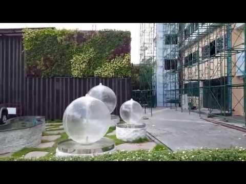 น้ำพุลูกบอลตกแต่งสวนสมัยใหม่