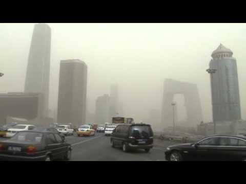 Smog RETURNS to Beijing | Sandstorm and smog combination causes TERRIBLE air quality in Beijing