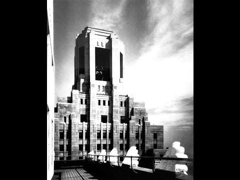 Monster John Wanamaker Memorial Founders Bell in Philadelphia Strikes Noon