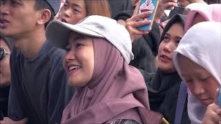 Download Adhitia Sofyan - Sesuatu di Jogja (Live at PLAYLIST LIVE FESTIVAL 2019)