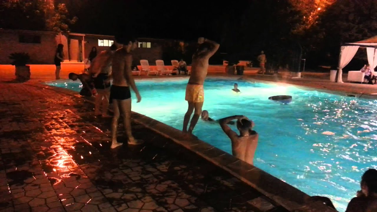18 anni party in piscina youtube