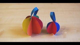 Бумажные шары на елку. Новогодний DIY. Поделки из цветной бумаги для детей своими руками.(Девочка 2 лет с мамой делают бумажные шары на новогоднюю елку. В этом видео показан урок по изготовлению..., 2015-11-12T06:59:12.000Z)