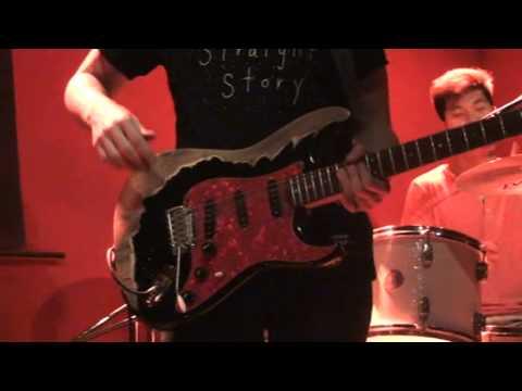 "Elephant Fresh 摸象樂隊 11/16/12 @ VA Live Beijing playing ""Dragonfly"""