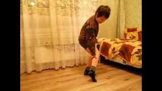 стриптиз мальчика миши
