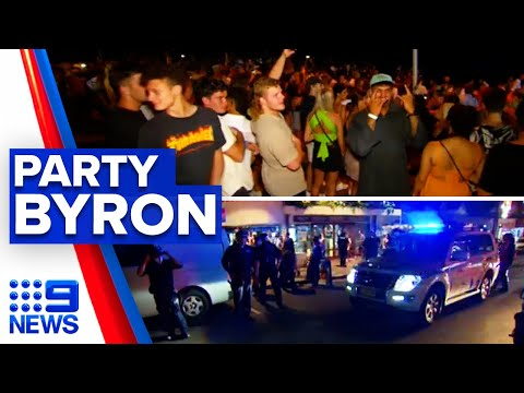 Coronavirus: Police shut down Byron 'party town' Bay | 9 News Australia thumbnail