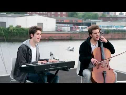 Mirrors / Read all about it (Acoustic Mashup Cover) by Tobi and Jona Selle