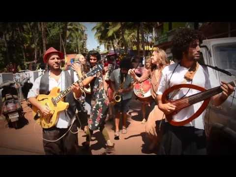 AMAZING LIVE GYPSY MUSIC - Quarter to Africa