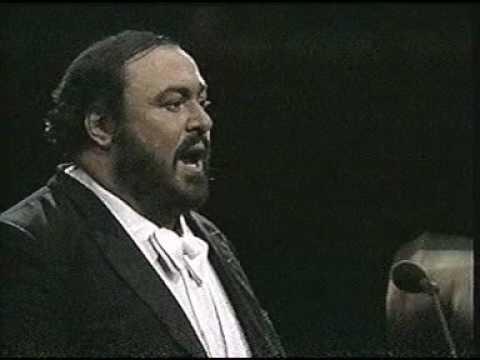 Luciano Pavarotti. 1987. O sole mio. Madison Square Garden. New York